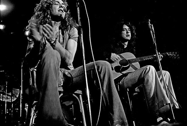 Led_Zeppelin_1973- robert plant- jimmy page (1)