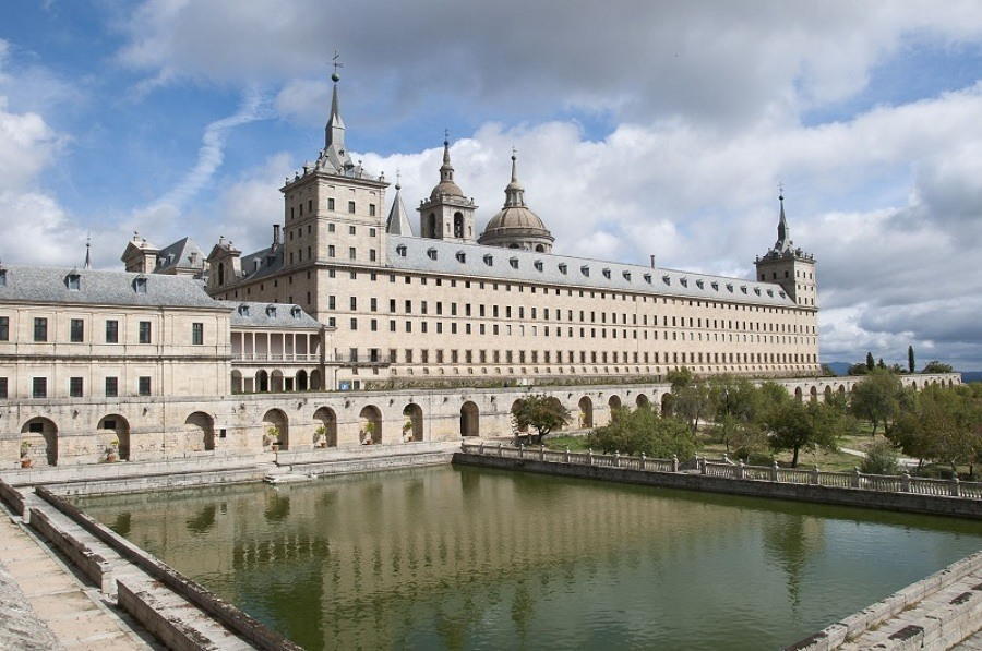 bibliotecas mais bonitas do mundo - Biblioteca Real do Mosteiro do Escorial, Madrid